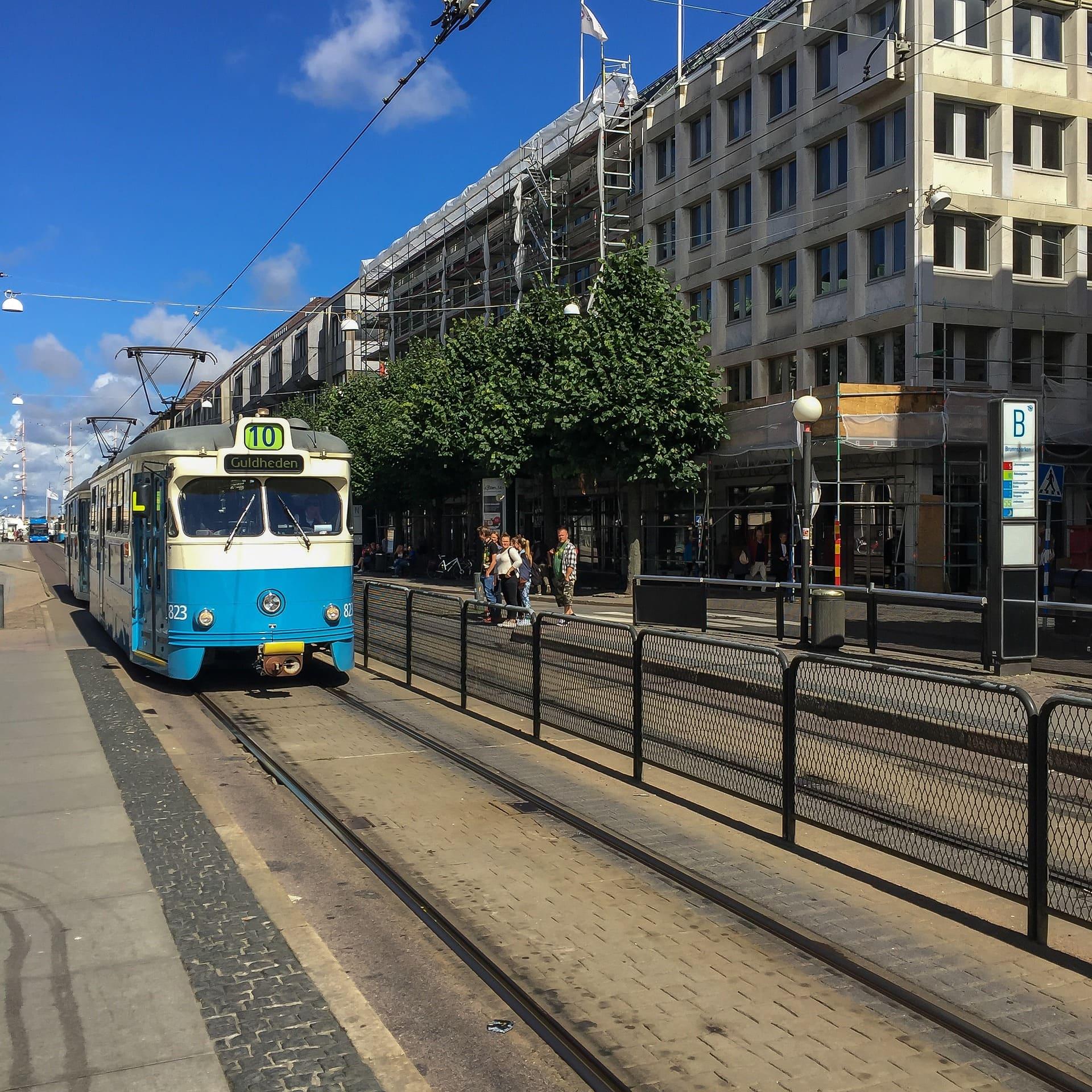 Spårvagn på gata i Göteborg